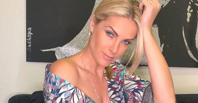 Em vídeo, Ana Hickmann revela que já foi traída: ''Dói muito''. Confira! https://t.co/C6rRNqi5lr