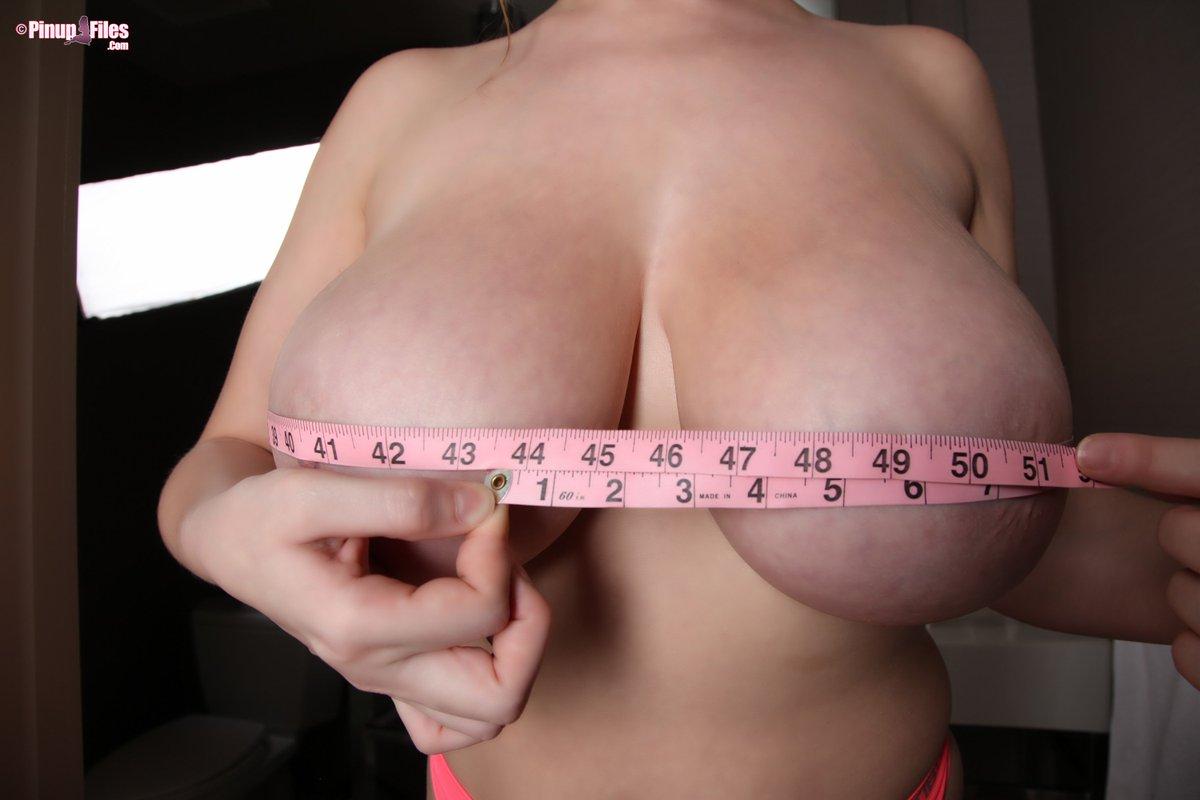 Tit measurement contest