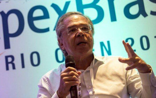 Desautorizado por Bolsonaro, Paulo Guedes cancela participação em sabatina → https://t.co/rHoL2n294o