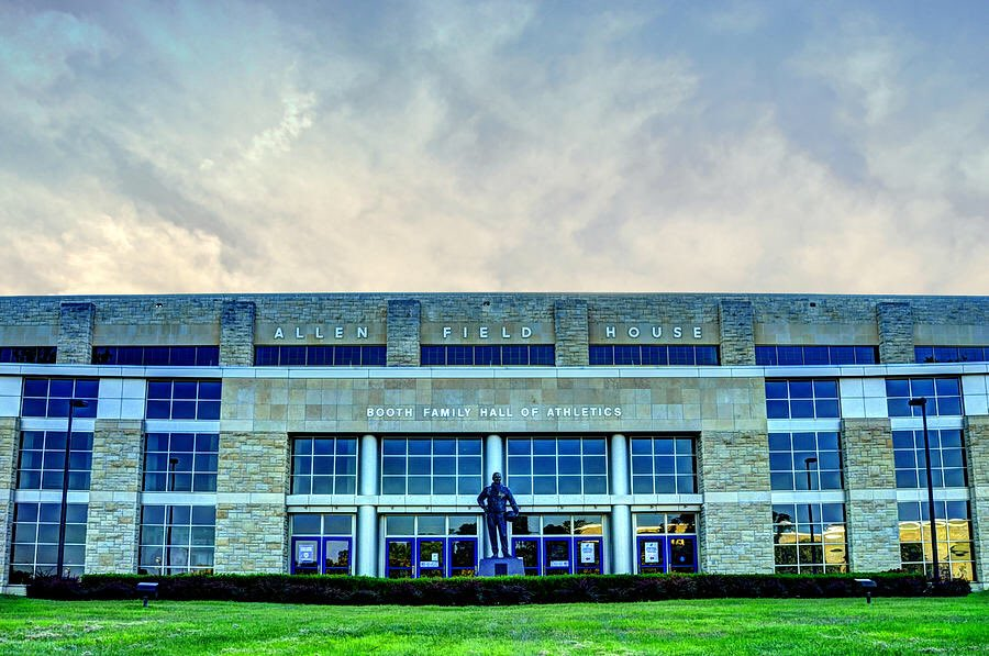 K-State fans like to claim that Bramlage Coliseum has a great homecourt advantage. However, since opening, K-State has lost 26 games there TO KU. In the same time period, KU has lost just 30 home games TOTAL in Allen Fieldhouse. Now THAT is homecourt advantage. <br>http://pic.twitter.com/uU9sa3Lwo7