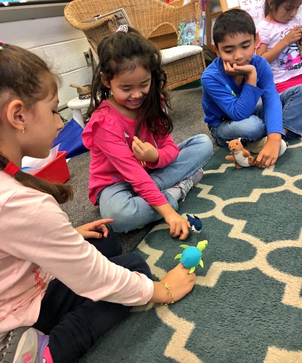 We used puppets to act out examples of honesty and truthfulness- good citizen characteristics! <a target='_blank' href='http://twitter.com/HFBAllStars'>@HFBAllStars</a> <a target='_blank' href='http://twitter.com/APSsocstudies'>@APSsocstudies</a> <a target='_blank' href='https://t.co/8Yv1RmPVRr'>https://t.co/8Yv1RmPVRr</a>