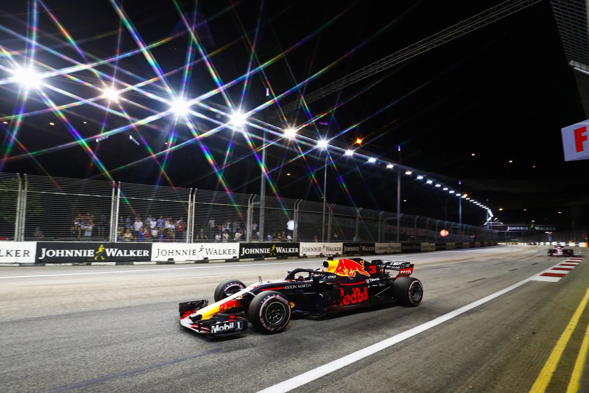 Heres Daniel Ricciardo racing under the lights of the Marina Bay Street Circuit just slightly more than a week ago. #throwback | #SingaporeGP | #F1 | #Formula1