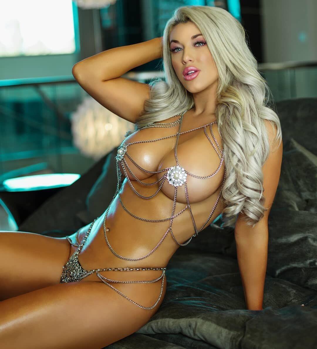 Giselle murray naked seductive brunette babe pandesia world