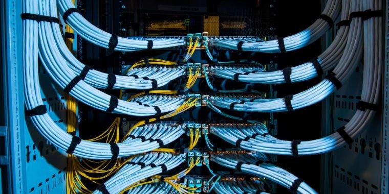 #Mirai #Botnet Creators Praised For Helping FBI, Won&#39;t Serve Prison Time  https:// buff.ly/2pmvmDZ  &nbsp;    #CyberSecurity #infosec #AI #Malware #Fintech #Blockchain #Chatbots @reach2ratan #Bigdata #datascience #Privacy #Privacymatters #hack #hacking #databreach #crypto<br>http://pic.twitter.com/Cvs51KHjkH