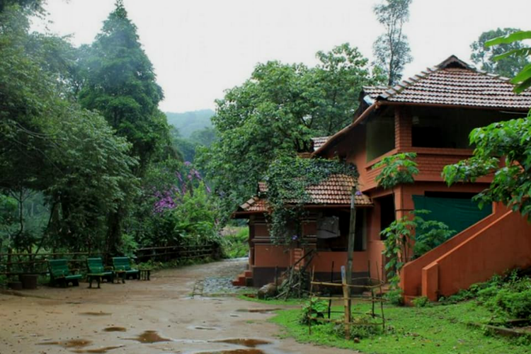 Resorts in #Coorg for Group Book the perfect Coorg..For more info visit... http:// update.funstay.in/Resorts-in-Coo rg-for-Group-Book-the-perfect-Coorg-weekend-trip-with-an-experiential-Madikeri-Homestay-on-this-Gandhi-Jay/b252?utm_source=twitter &nbsp; … <br>http://pic.twitter.com/wohEsg5GYb