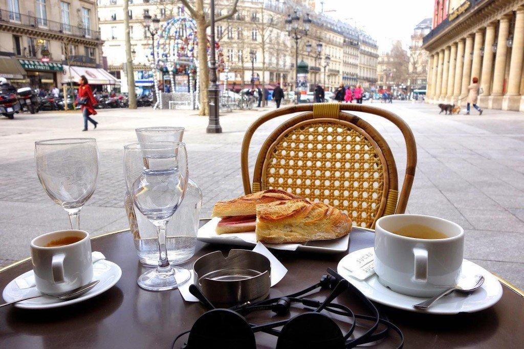 бутерброды картинка утро стол на улице желудочки сердца его
