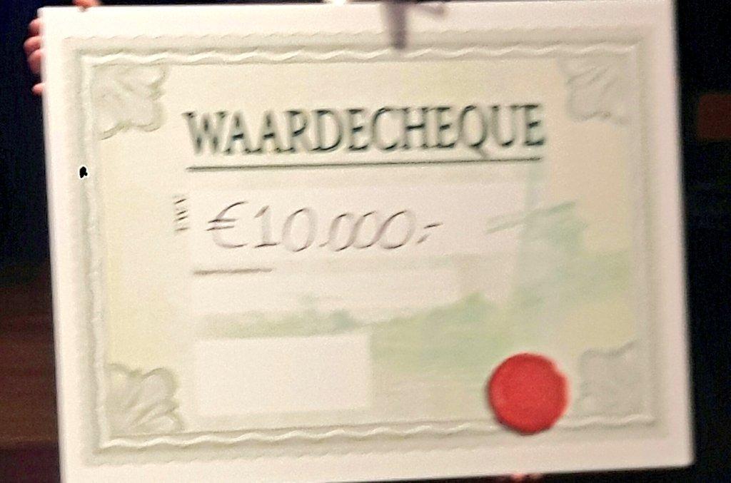 Wat een interessante dag bij het Web Accessibility Live event in Amsterdam. Én een prachtige cheque van  €10.000 voor @HandicapNL. Accessibility is usability!  Iedere organisatie zou dit onderwerp serieus moeten nemen.  #WAL2018AMS https://t.co/hp9h2Zue6f