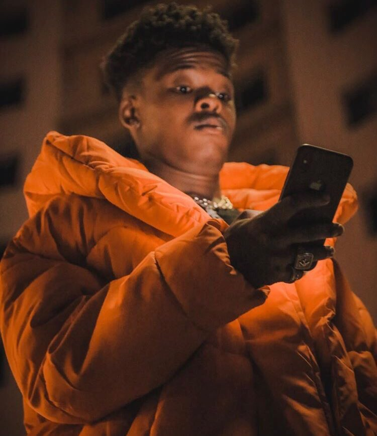 Am I the only one brave enough to say Kwesta is overrated #VurVai