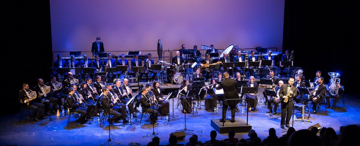 """La """"Musique des Forces aériennes de Bordeaux"""" en #CONCERT #Gratuit ce soir à #Lormont, à 20h30 pour commémorer le Centenaire de l' #armistice de la #Grande #Guerre #musique #militaire #musiquemilitaire #sorties #memoire #souvenir #histoire #armistice100 https://t.co/8BV8qtSKT9"""