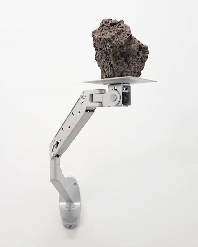#DriantZeneli #sculpture #BeneathASurfaceThereSJustAnOtherSurface #PrometeoGallery #Milan #ContemporaryArt https://t.co/3BL7iIDMpO