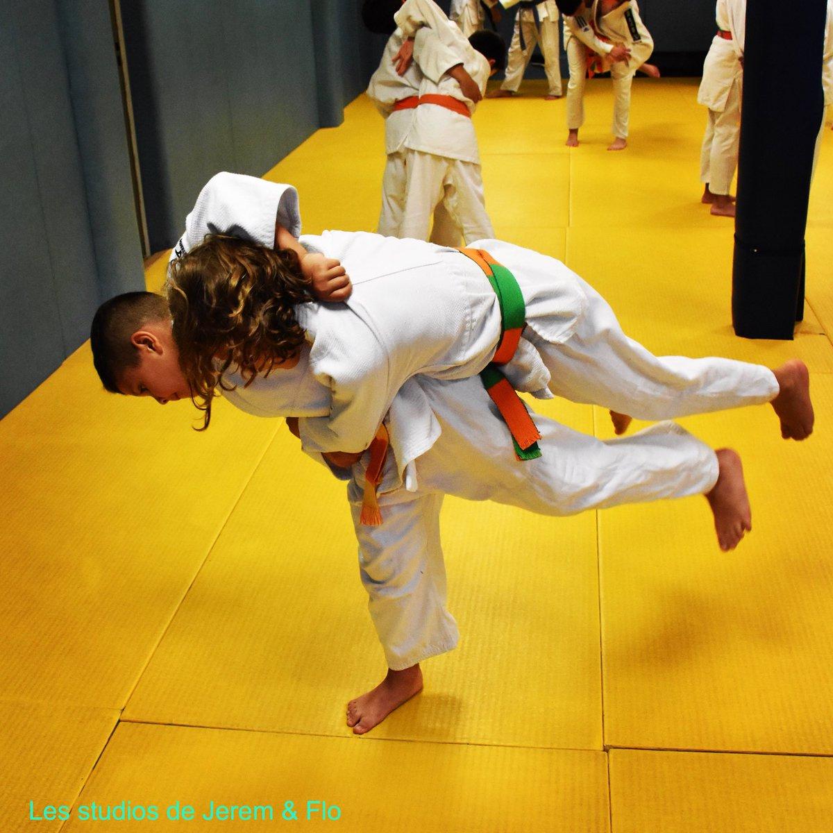 Aux Studios de Jerem & Flo, on n'est jamais fauchés.#judo #nagekomi #dojo #dojolife #martial #poudlard #judoclubdunois #haraigoshi #entrainement #martialarts #littlechampions #workinprogress #kimono #eyeofthetiger #picoftheday #sportmotivation #sportoftheday  - FestivalFocus