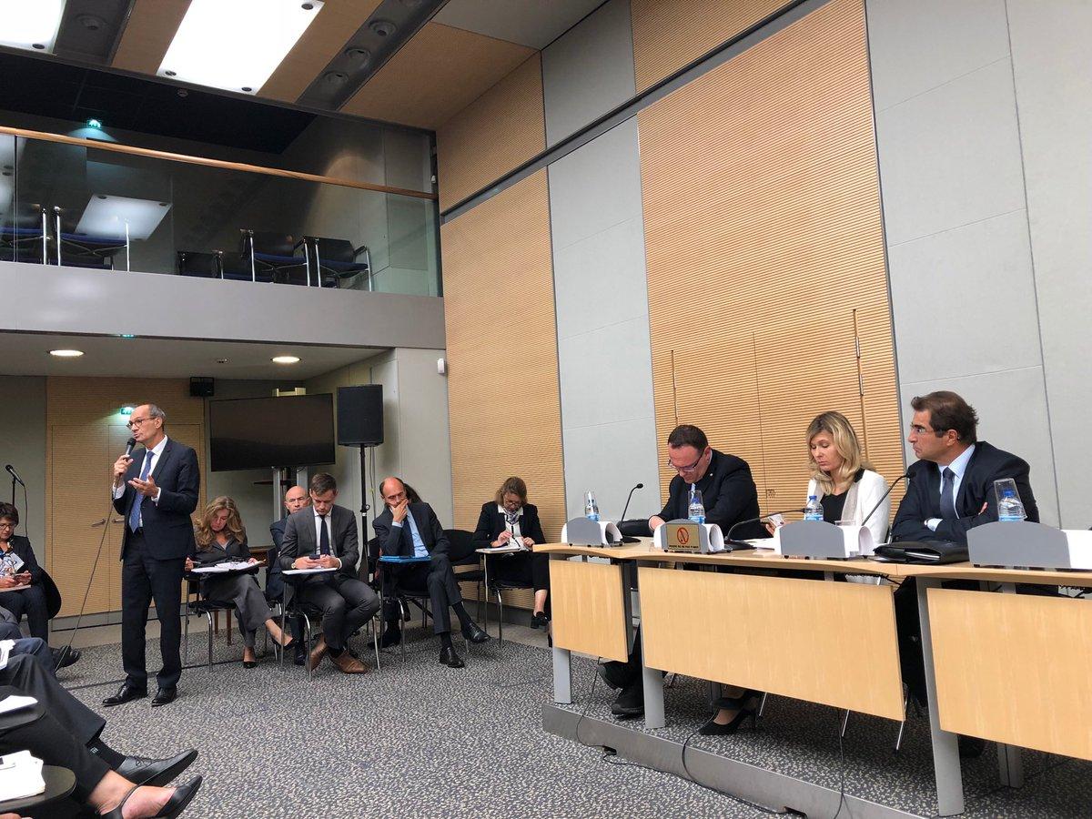 En réunion hebdomadaire du Groupe @Republicains_An ,autour de Christian Jacob et @ericwoerth ,pour parler Budget 2019, projets de loi #Pacte et lutte contre la fraude. #directAN  - FestivalFocus