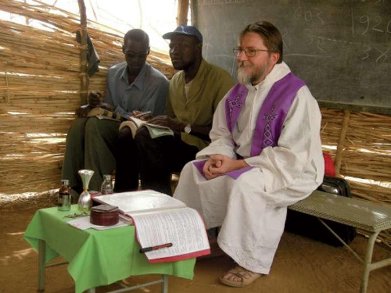 """#Niger: i leaders musulmani lanciano un appello per la liberazione di padre #PierluigiMaccalli, rapito una settimana fa. Un gesto, scrivono, """"che non risponde ad alcuna esigenza della religione musulmana"""". #Africa #islam #chiesa #terrorismo #Farnesina https://bit.ly/2xEmcaz  - Ukustom"""