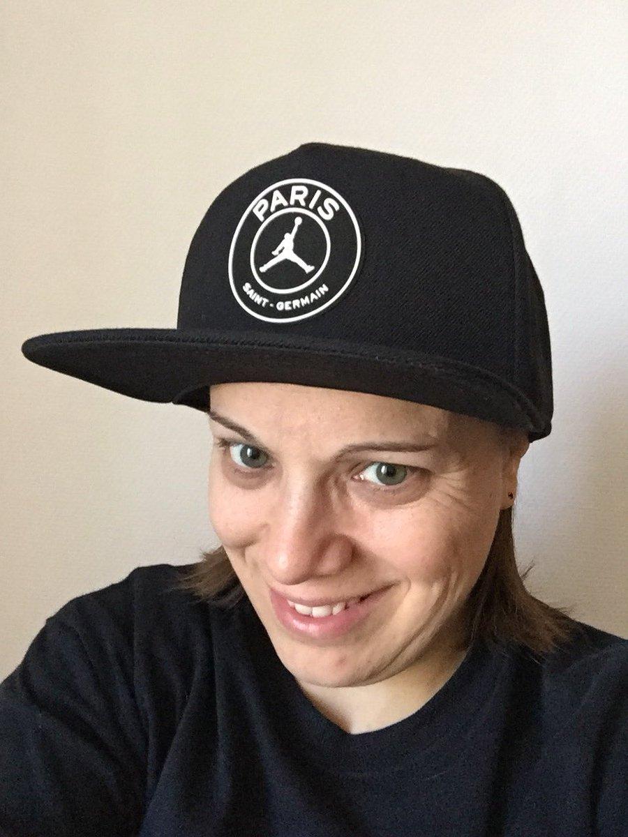 Sympa cette casquette de la collection PSG X JORDAN @PSG_inside #AllezParis #JORDAN  - FestivalFocus