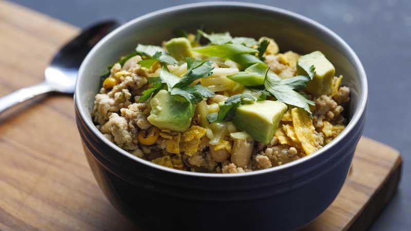 Make this white chicken chili with ground or rotisserie chicken   GET THE RECIPE: https://t.co/RdX34eIody