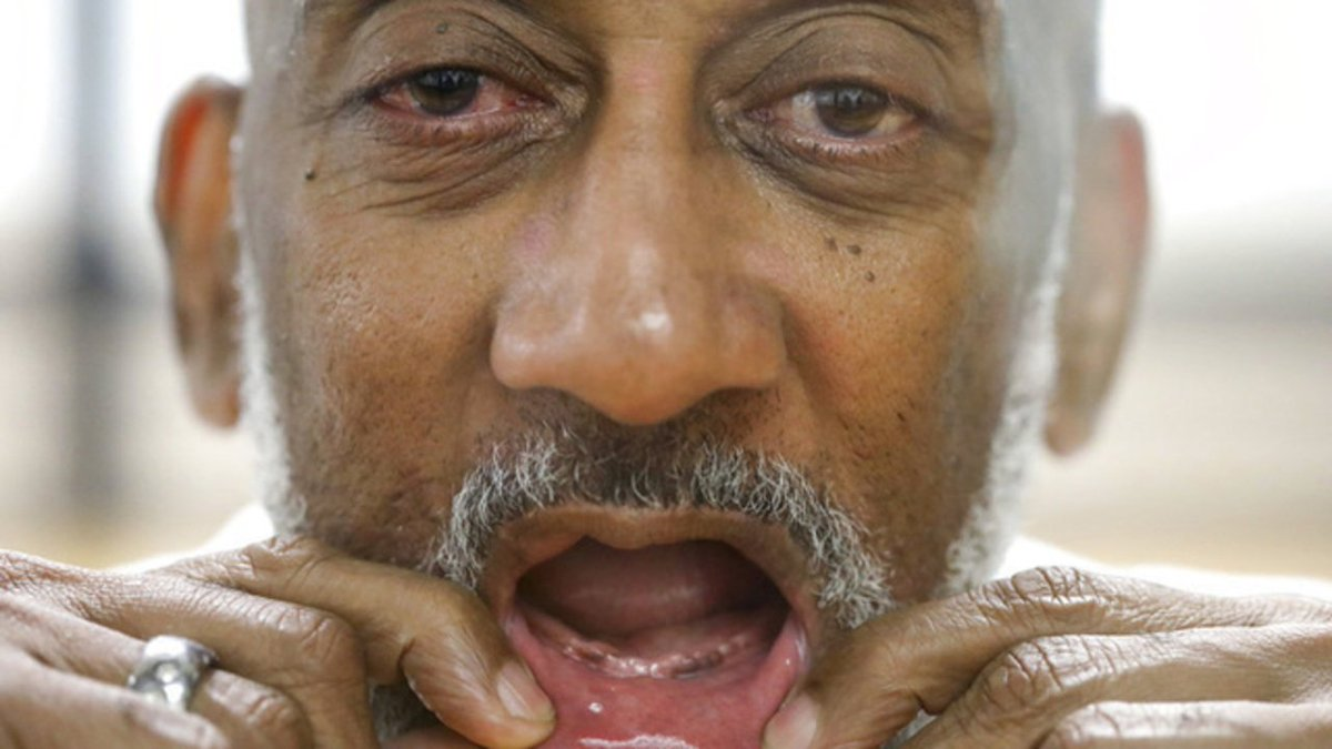 Texas prisons deny dentures to inmates with no teeth, claim chewing 'isn't a medical necessity' https://t.co/DF849xHC7q