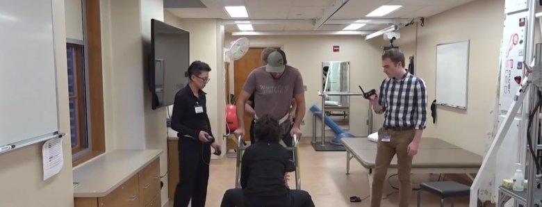 Un système d'électrodes permet à des patients paraplégiques de remarcher https://t.co/B81Gd912ep