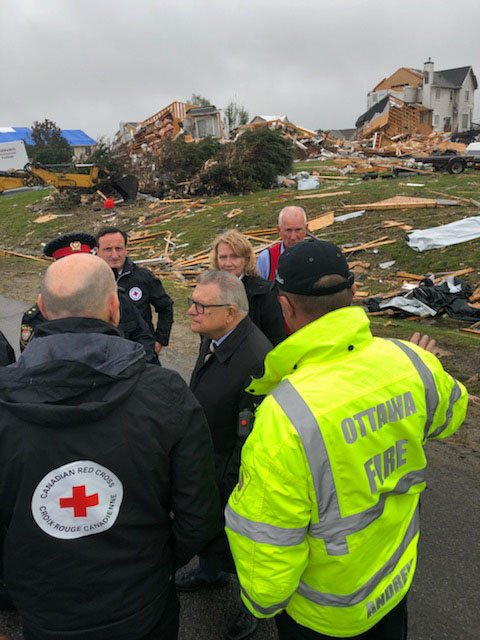 RT @RalphGoodale: In Dunrobin today w @karenmccrimmon @redcrosscanada @Eli_ElChantiry touring one of the communities deeply affected by the weekend's tornadoes. Thank you to the courageous first responders and the community for coming together & supporting https://t.co/jd9yVCRsBJ