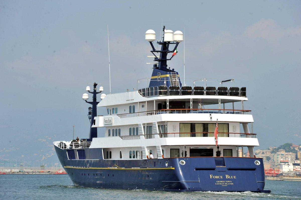 Lo yacht Force Blue nel mirino del fisco. Indagato per corruzione #Briatore, ai domiciliari il suo commercialista → https://t.co/jz1ASbg4P6