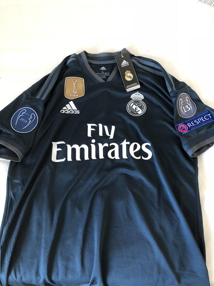 Ma che è sta storia? Ho comprato la 10 di #Modric e mi è arrivata la maglia del Real, non quella dell'Inter.  - Ukustom