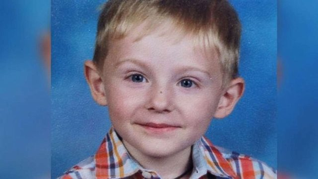 FBI playing tape with voices of missing boy's parents in hopes of finding him https://t.co/KJMogI00VN