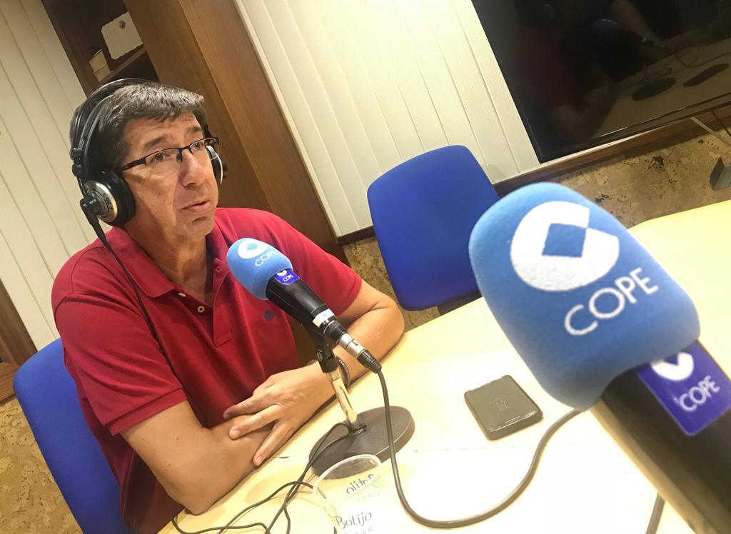"""[COPE] [La Tarde] Juan Marín: """"Tenemos un proyecto amplio para cambiar Andalucía y acabar con cuarenta años de régimen socialista."""" Dn8F4SEXkAAGmtG"""
