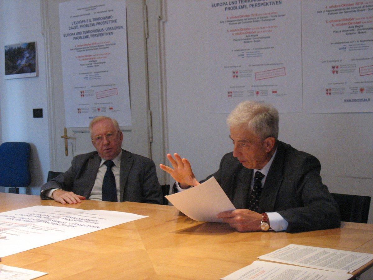 Presentazione del 57° #convegno #internazionale, il comunicato stampa  http:// www.rosmini.bz.it/pdf/Comunicato_stampa_57_convegno_2018.pdf e il programma https://t.co/31KeJDU1rs @TgrAltoAdige @v33Redazione @AltoAdigeTV @RTTR_News @AnsaTrentinoAA @Corriere @giornaleladige #Bolzano #AltoAdige #Terrorismo #cultura #dibattito  - Ukustom