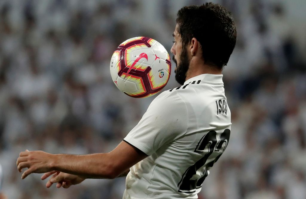 Real Madrid's Isco is set to have an operation after being diagnosed with acute appendicitis.  More: https://t.co/wZR52veU8D