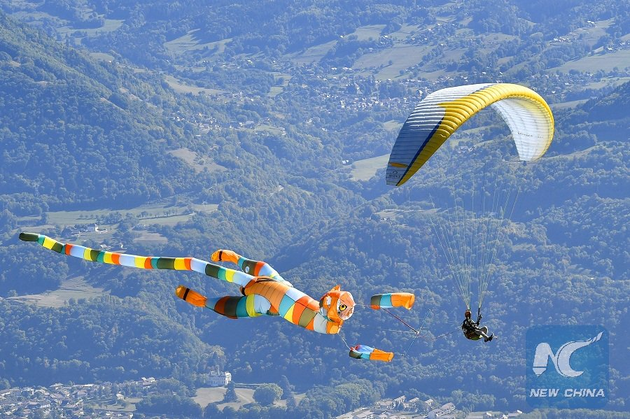 Good weather and 90,000 visitors at 45th edition of #CoupeIcare int'l free flight festival in #France!