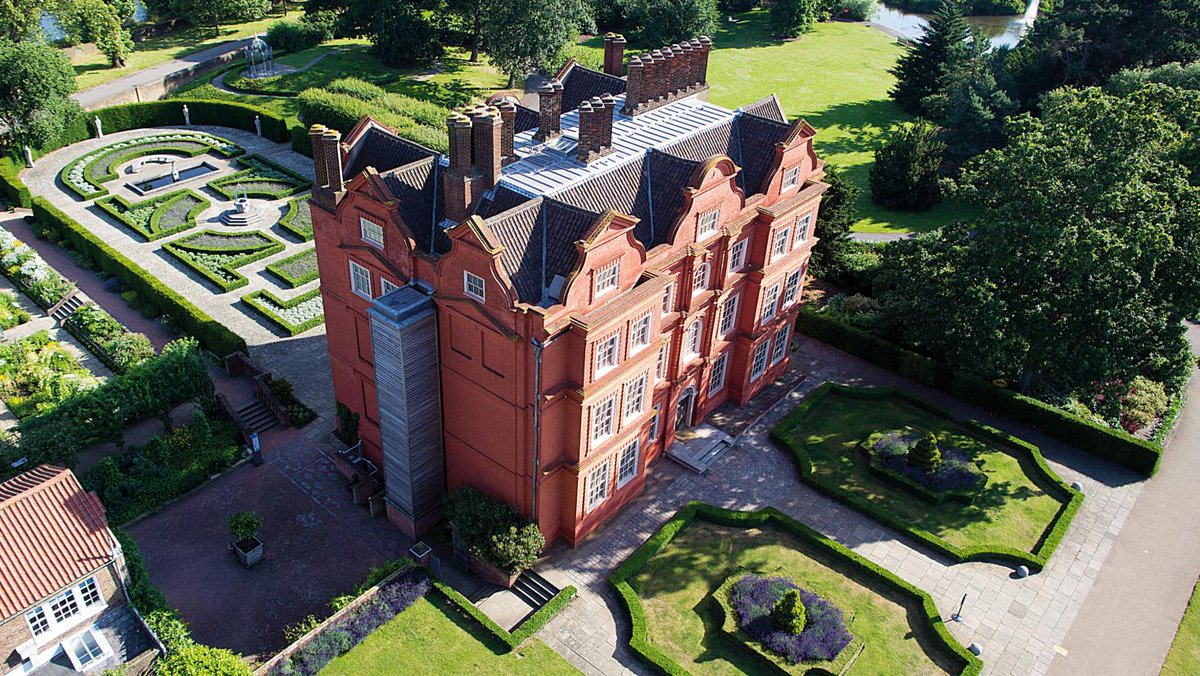 """Kew Gardens on Twitter: """"Don't miss out on the chance to visit the  magnificent Kew Palace before it closes for the winter! Originally built in  1631, it is the oldest building in"""