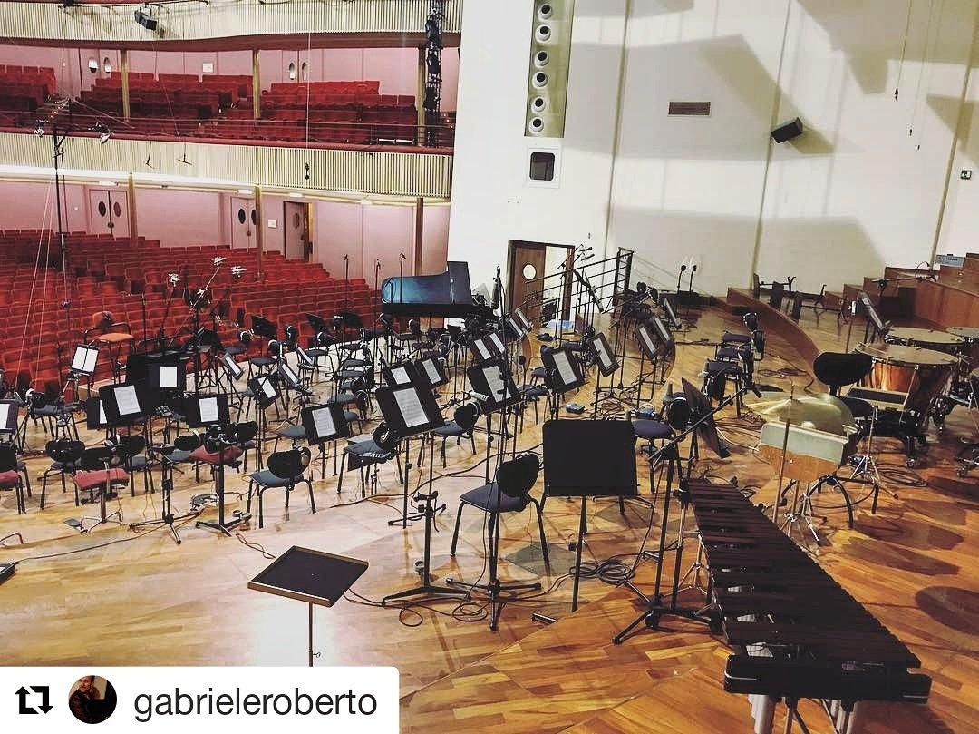 Before the storm... Orchestra Sinfonica della Rai - La Compagnia del Cigno #lacompagniadelcigno #indigofilm #ivancotroneo #rai #orchestrasinfonicarai  - Ukustom