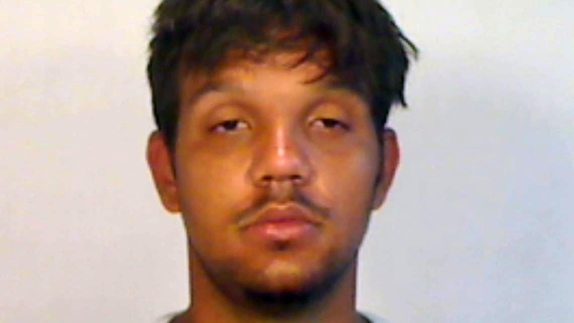 Padre de Key West persigue a ladrón que se había escondido debajo de la cama de su hijo https://t.co/KfGGO2N9Xj #Florida #Policiales