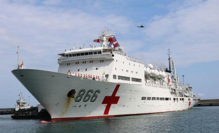 Periodista fue retenido cuando entrevistaba a pacientes del buque hospital chino https://t.co/mBZwYL9RUt