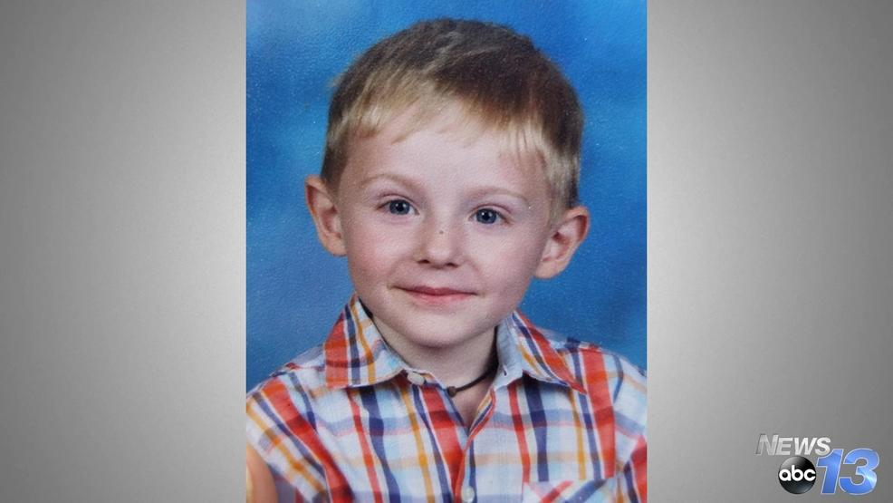 Search for missing boy with autism continues; FBI using recordings of parents' voices https://t.co/cDNO8slGSn  The 6-year-old is nonverbal. He ran from his family at a park in North Carolina and hasn't been seen since.