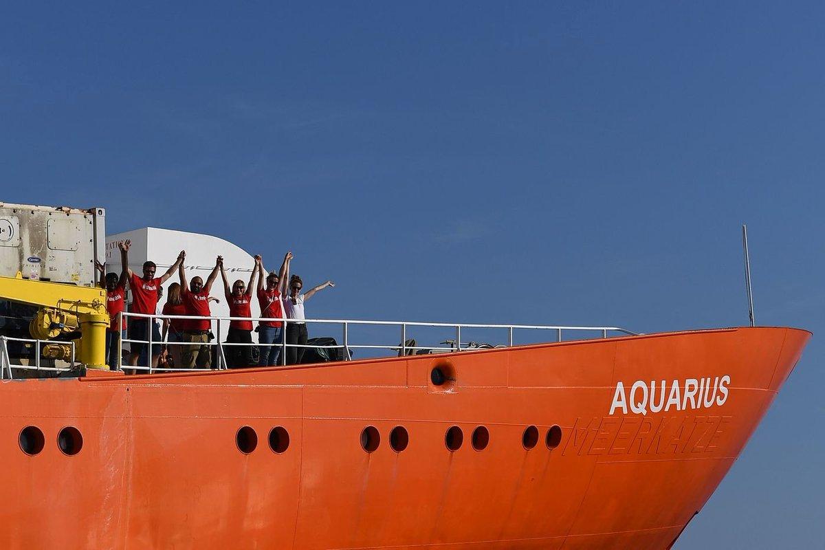#Aquarius, accordo Portogallo-Spagna-Francia per accogliere i #migranti. Lisbona ospiterà 10 delle 58 persone a bordo della nave  → https://t.co/6Gx1kZRD5n