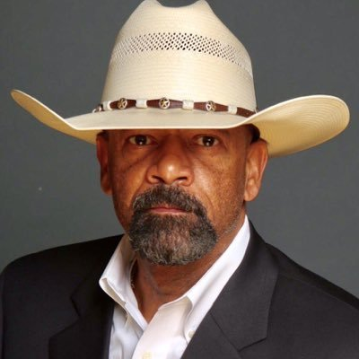 Kavanaugh friend Sen. Ted Cruz & his wife were heckled out of a D.C. restaurant. Sheriff David Clarke (Ret.) joins Newsmax TV to discuss lawmaker harassment. See Sheriff Clarke on Newsmax TV @ 12PM ET via Directv 349, Dish 216, Uverse 1220, Fios 615, info: https://t.co/6eLEBWf2nW
