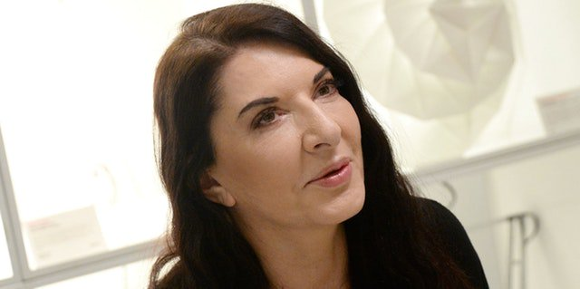 Marina Abramović had a painting of herself smashed over her head by a 'performance artist' in Italy https://t.co/oq1vDGwfAL