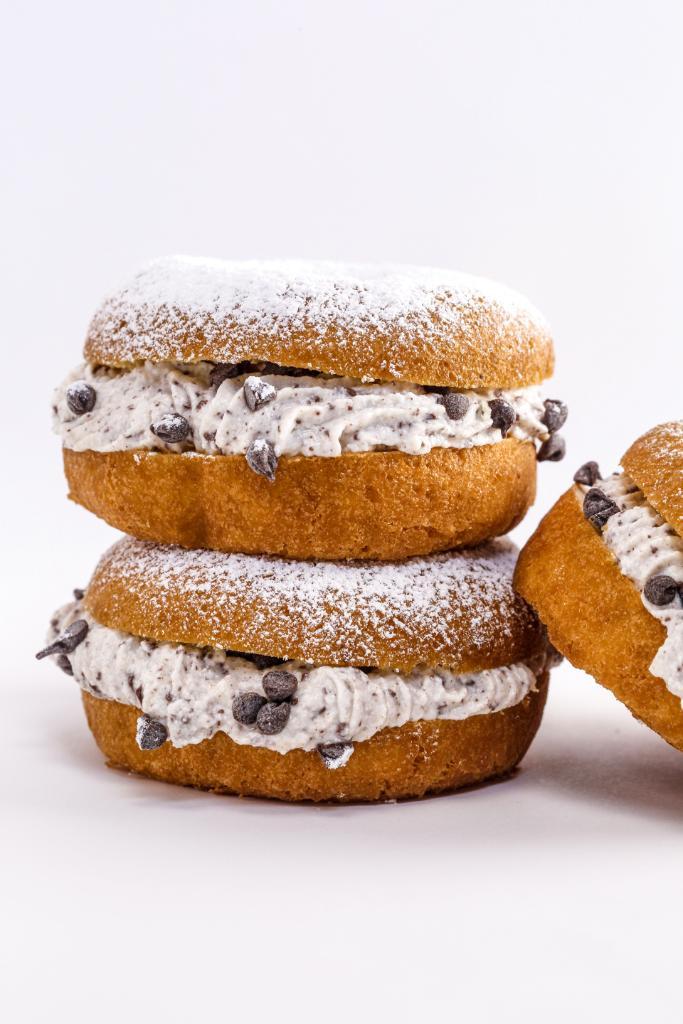 Holy Cannoli! That's no ordinary donut  GET THE RECIPE >> https://t.co/JlUypF8Dzi