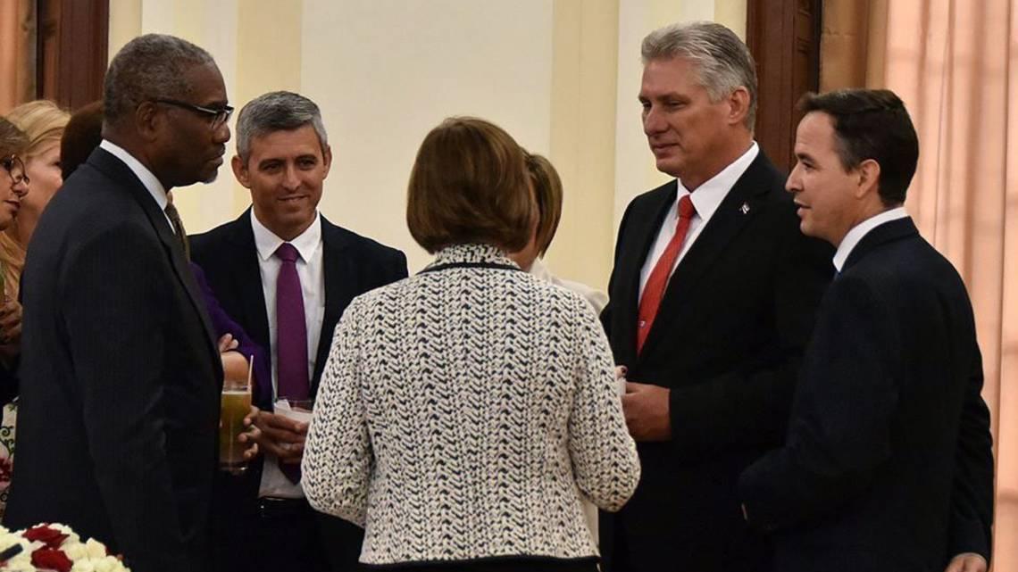 Díaz-Canel se reúne en Nueva York con congresistas y ejecutivos de empresas tecnológicas https://t.co/PuLCbDtDBe #Cuba @ngameztorres