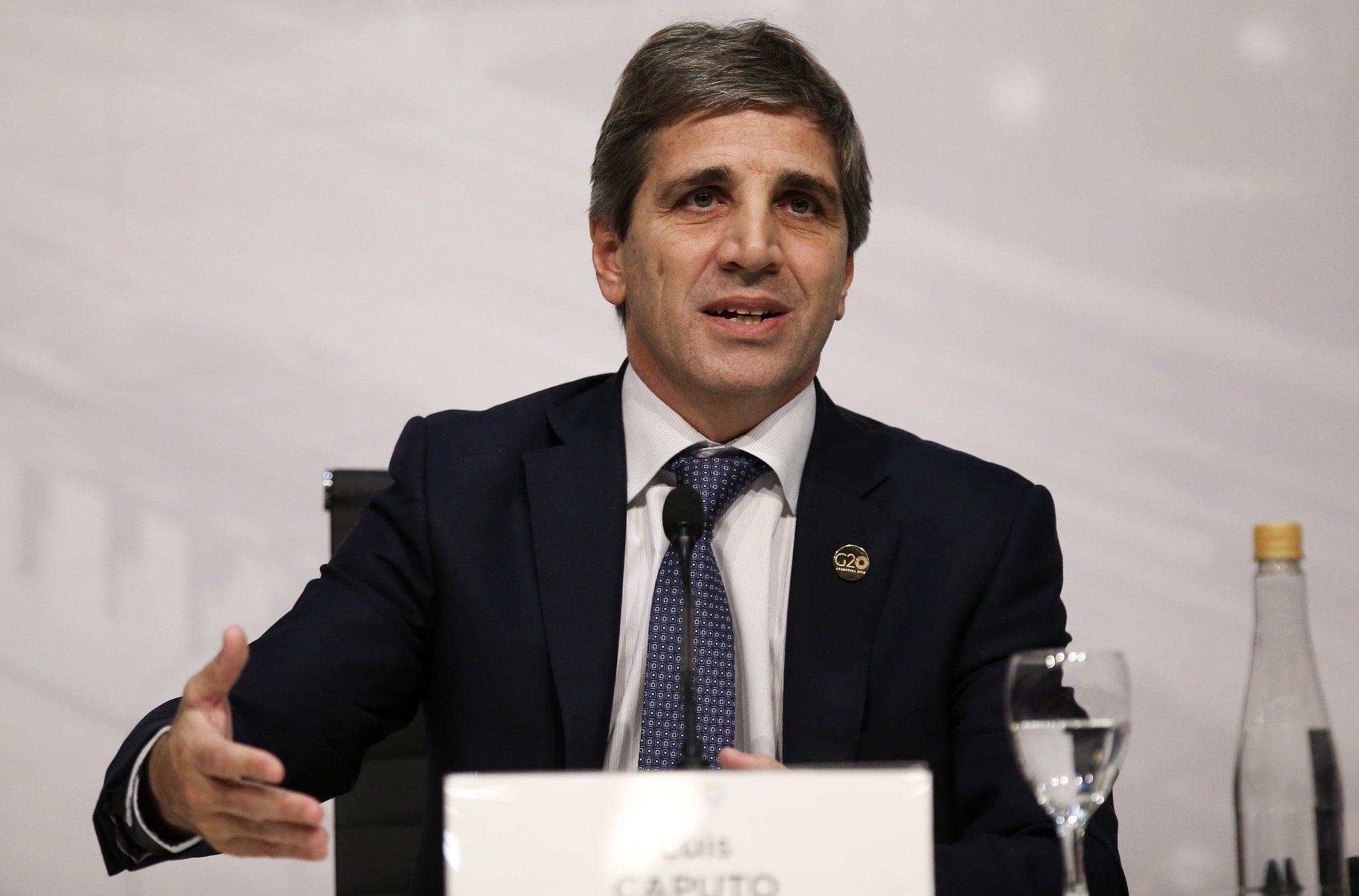 Renuncia Luis Caputo, presidente del Banco Central de Argentina https://t.co/cgu7iF7ZNP https://t.co/xdZs4vidxI