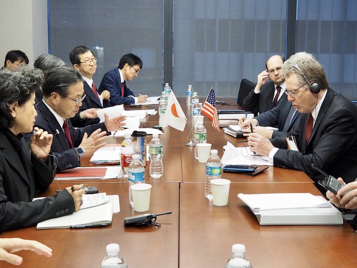 世耕大臣は、アメリカ合衆国ニューヨークで開催される第4回三極貿易大臣会合を前に、ライトハイザー米国通商代表との会談に臨みました。#usa