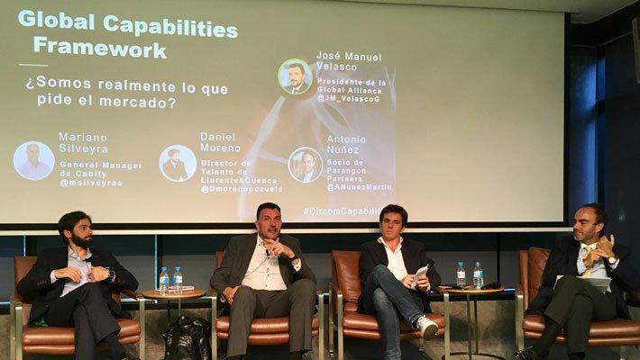 """☑️ Toma nota de """"las 11 capacidades que deben desarrollar los profesionales de la #comunicación"""", según se recoge en el informe """"Global Capabilities Framework"""" de la @Global_Alliance presentado hace unos días en Madrid ➡️ https://t.co/kax2bUHNRF https://t.co/1NPYo8YD9l"""
