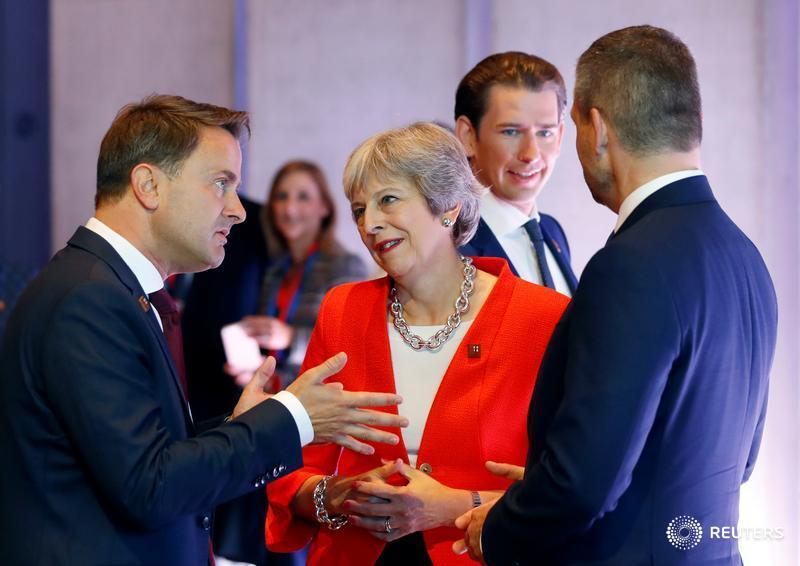 Exclusive: #EU open to free trade but not Chequers customs plan - document https://t.co/uWTxYS1fcI by @gbaczynska https://t.co/ki6ImjKbpf