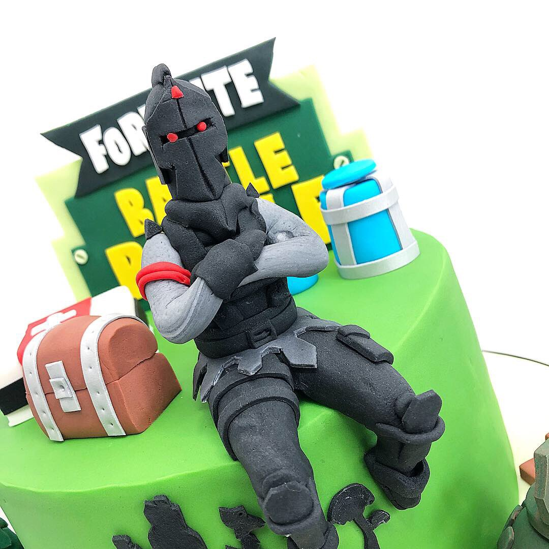 Remarkable Tidbits Treats On Twitter Fortnite Cake With The Black Knight Funny Birthday Cards Online Eattedamsfinfo