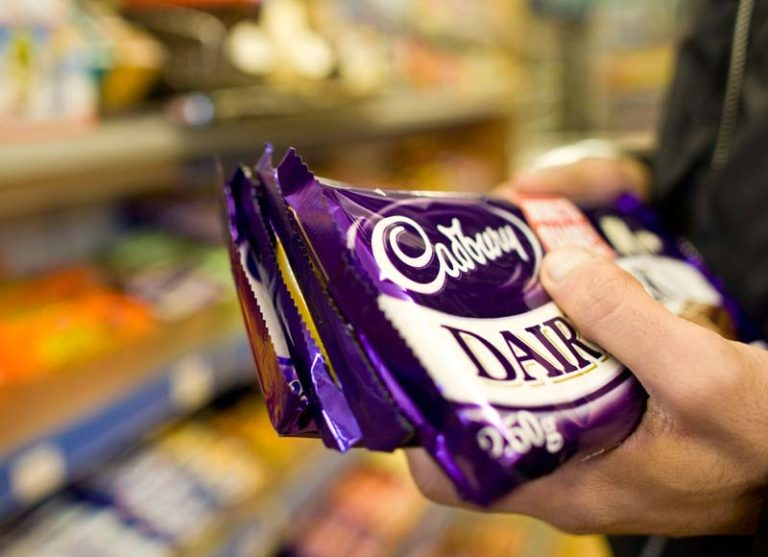 Have you heard the news? @CadburyUK has launched a limited edition Dairy Milk in honour of WW1🍫 https://t.co/U5PgUMuMFJ