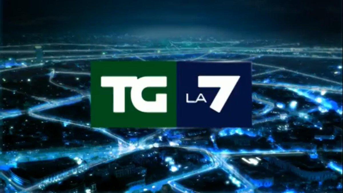 Fra poco il @TgLa7 delle 20:00 condotto da Enrico #Mentana in diretta streaming su  http:// www.tgla7.it  - Ukustom