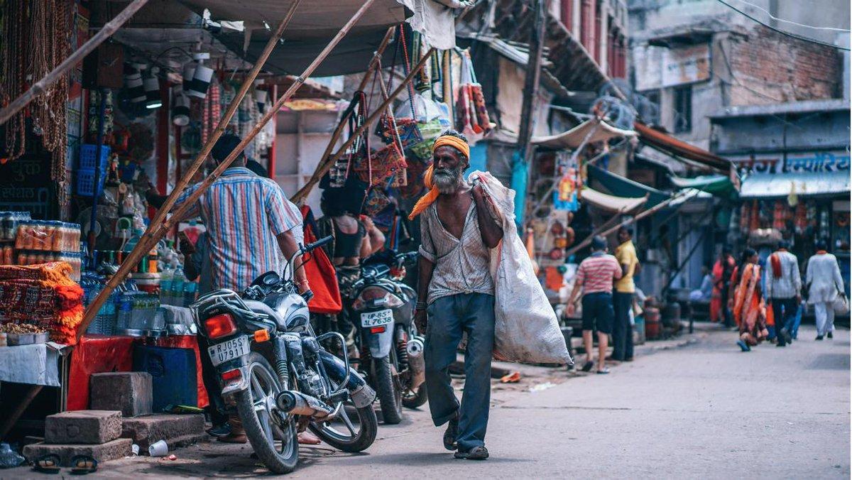 L'extrême pauvreté atteint un niveau historiquement bas dans le monde https://t.co/sc2iYFIfXB