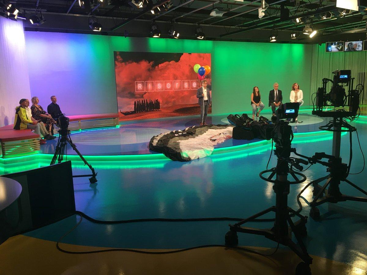 #Risorse stasera parliamo di #aria, la qualità in #Toscana seguici in diretta sul #Canale15 in #tv e in live streaming su http://rtv38.com  - Ukustom
