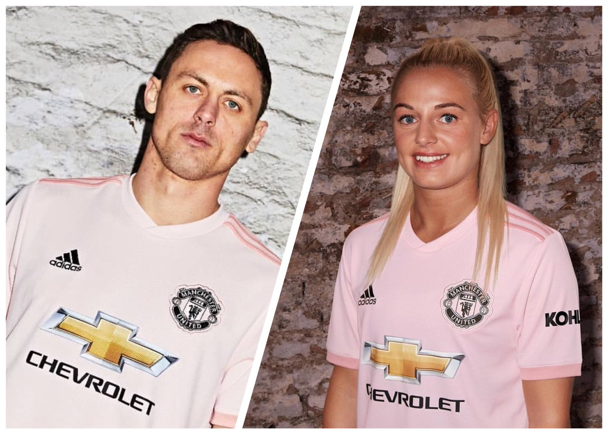 Manchester United Women On Twitter Nemanjamatic And Kirstyhsmith In The New Pink Away Shirt Someone Looks Happy To Be In It The Other Not So Much Muwomen Mufc Https T Co Xygfljmcac