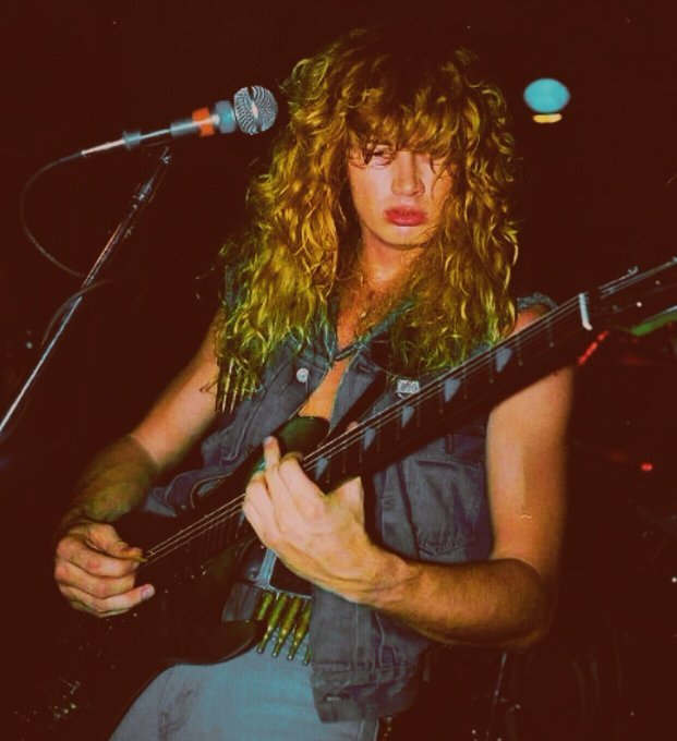 Happy birthday to dave mustaine. thank you for many years of great tunes <3